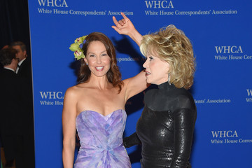 Ashley Judd 101st Annual White House Correspondents' Association Dinner - Inside Arrivals