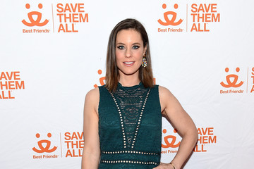 Ashley Williams Best Friends Benefit To Save Them All
