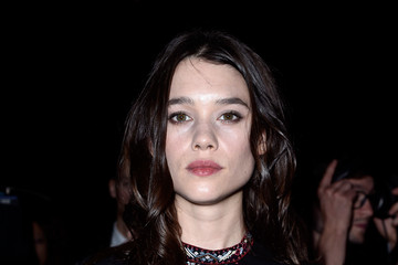Astrid Berges Frisbey Valentino : Front Row - Paris Fashion Week Womenswear Spring/Summer 2016