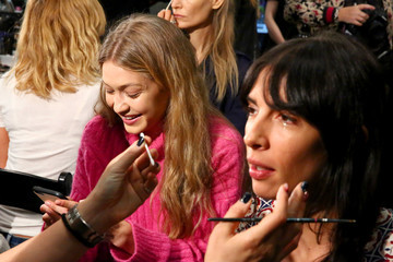Athena Calderone Anna Sui - Backstage - September 2017 - New York Fashion Week: The Shows