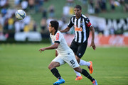 Leo Silva #03 of Atletico MG and Jadson #10 of Corinthians battle for the ball during a match between Atletico MG and Corinthians as part of Brasileirao Series A 2014 at Parque do Sabia stadium on april 20, 2014 in Uberlandia, Brazil.