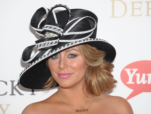 http://www4.pictures.zimbio.com/gi/Aubrey+O+Day+137th+Kentucky+Derby+Arrivals+ZQVjd5-cnu3l.jpg