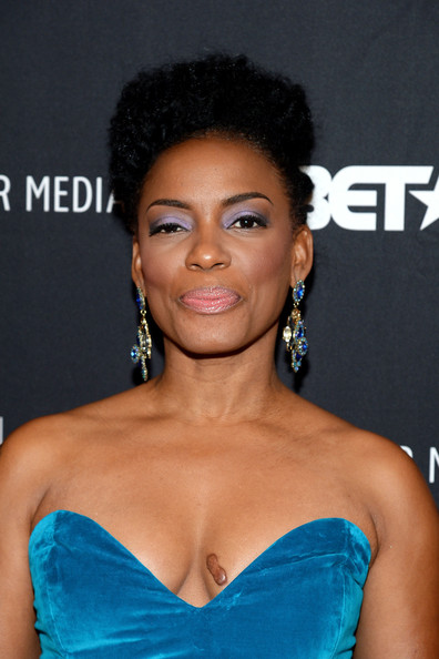 Aunjanue Ellis Photos Photos - 'The Book of Negroes ...