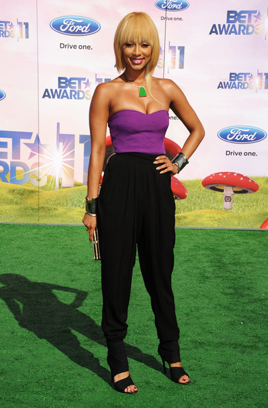 Singer Keri Hilson arrives at the BET Awards '11 held at the Shrine Auditorium on June 26, 2011 in Los Angeles, California.
