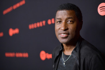 Babyface HOLD for Spotify