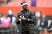 Tyrod Taylor #5 of the Cleveland Browns warms up before the game agaisnt the Baltimore Ravens  at FirstEnergy Stadium on October 7, 2018 in Cleveland, Ohio.