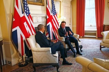 Barack Obama David Cameron Obama Arrives in UK for Talks on Brexit, Lunch With the Queen