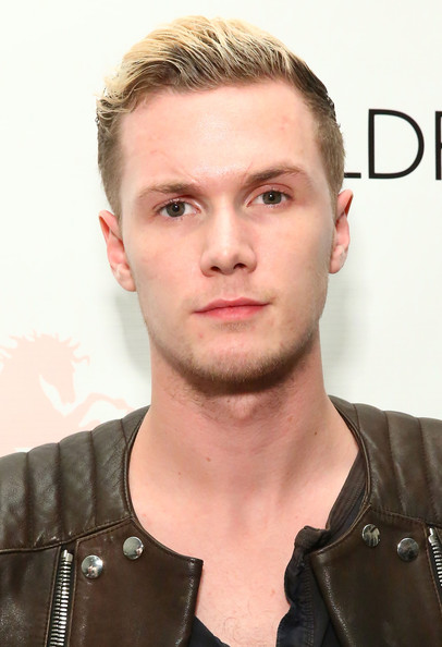 Barron Hilton Net Worth