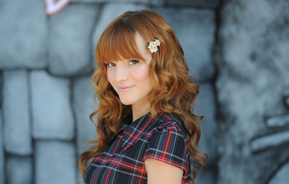 Bella Thorne - Premiere Of Dreamworks Animations