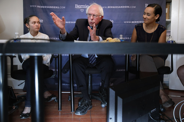 Bernie Sanders Meets With Dreamers to Discuss U.S. Immigration Policy