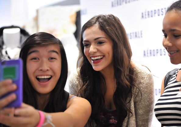 Bethany mota photos photos aeropostale welcomes youtube celeb aeropostale welcomes youtube celeb bethany mota m4hsunfo