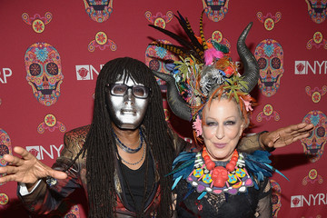 Bette Midler Bette Midler's Annual Hulaween Party Celebrates New York Restoration Project's 20th Anniversary - Arrivals