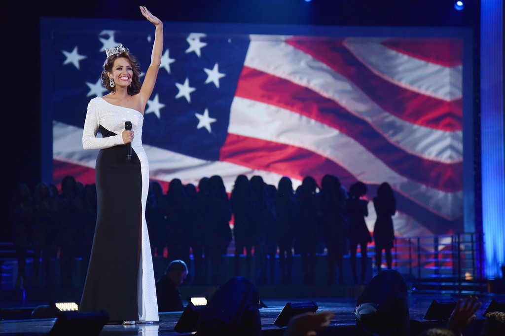 betty cantrell, miss america 2016. - Página 9 Betty+Cantrell+2017+Miss+America+Competition+MGeB-QOHjQKx