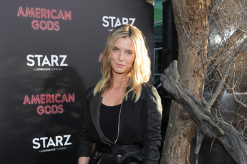 Betty Gilpin Premiere Of Starz's 'American Gods' - Arrivals