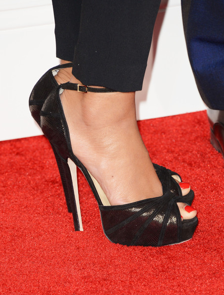 The 55th Annual GRAMMY Awards - Arrivals [footwear,high heels,leg,black,shoe,red,human leg,ankle,foot,court shoe,arrivals,beyonce,shoe detail,california,los angeles,staples center,55th annual grammy awards]
