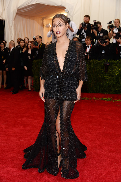 Beyonce Knowles - Red Carpet Arrivals at the Met Gala — Part 2