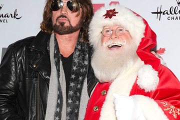 Billy Ray Cyrus Arrivals at the Hollywood Christmas Parade — Part 2