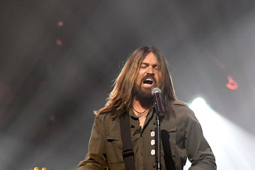 Billy Ray Cyrus Keep Memory Alive Honors Neil Diamond At 24th Annual Power Of Love®  - Inside