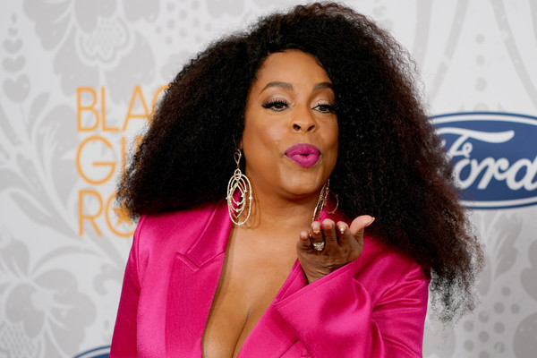 Black Girls Rock 2019 Hosted By Niecy Nash - Red Carpet