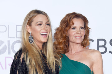 Blake Lively Robyn Lively People's Choice Awards 2017 - Arrivals