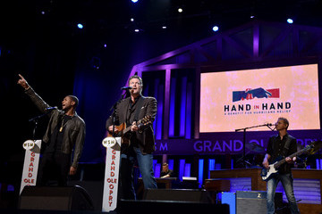 Blake Shelton Hand in Hand: A Benefit for Hurricane Relief - Nashville