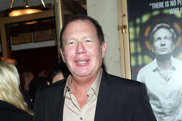 """Gary Shandling """"The Break Of Noon"""" Opening Night - Arrivals & Curtain Call"""