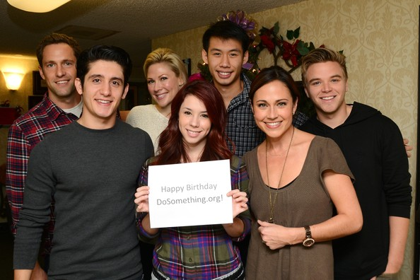 awkward cast dating Jenna p hamilton is the central character and female lead of the mtv series awkward she is a 17 year old senior student at palos hills high school and blogger who.