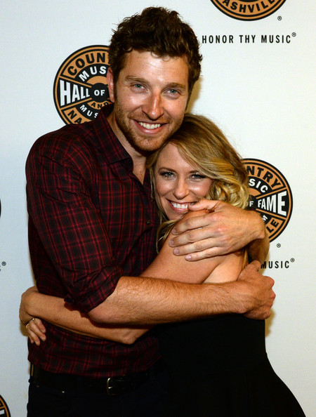 "Is Brett Eldredge dating his ""Lose My Mind"" video co-star ..."