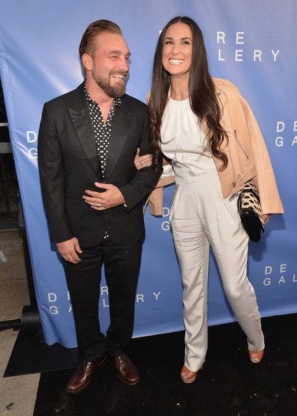 The De Re Gallery Grand Opening [brian bowen smith,demi moore,fashion,suit,event,premiere,outerwear,performance,fashion design,formal wear,pantsuit,style,opening,de re gallery grand opening,california,los angeles,the de re gallery]