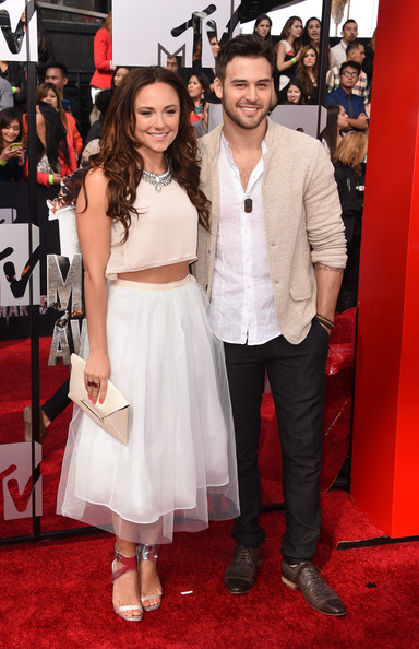 Briana evigan y ryan guzman dating. Dating for one night.