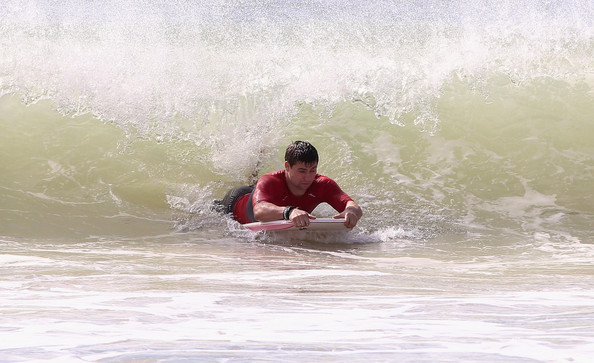 British Athletes Try Out Surfing in Australia