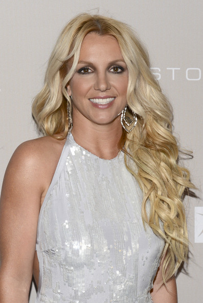 http://www4.pictures.zimbio.com/gi/Britney+Spears+City+Hope+Honors+Halston+CEO+w3AI9IbF44jl.jpg