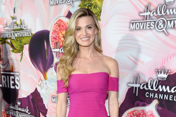 Brooke D'Orsay Hallmark Channel and Hallmark Movies and Mysteries Winter 2018 TCA Press Tour - Red Carpet