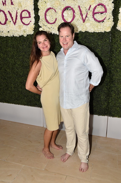 b439bf67dff4 Brooke Shields and Chris Henchy Photos»Photostream · Pictures ·  Star-Studded Beach Dinner With Master Chef Jose Andres to Celebrate the NEW  Cove Resort