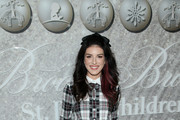 Shenae Grimes-Beech Photos Photo