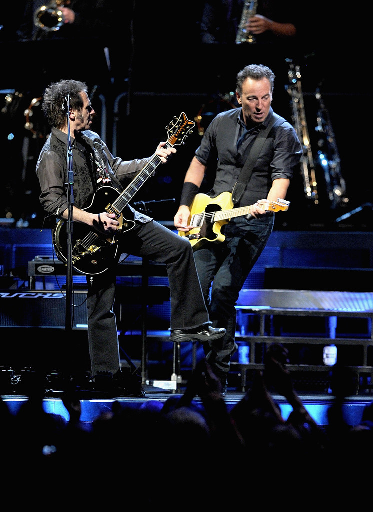 Bruce Springsteen Photos Photos Bruce Springsteen The E Street Band In Concert Zimbio