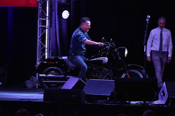 Bruce Springsteen 10th Annual Stand Up for Heroes - Show