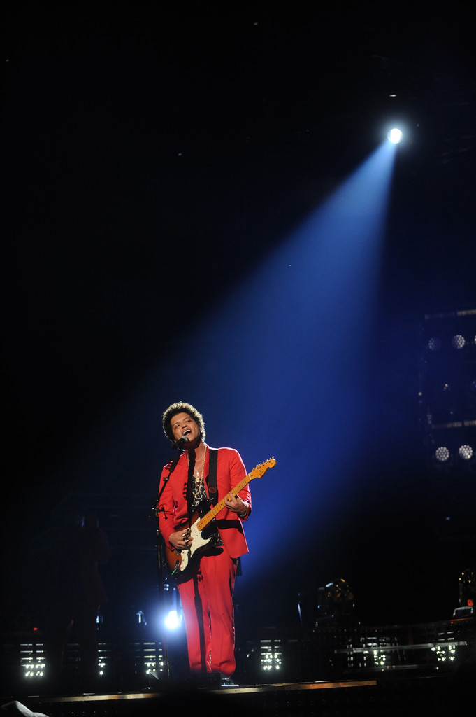 bruno mars photos photos bruno mars performs in boston zimbio