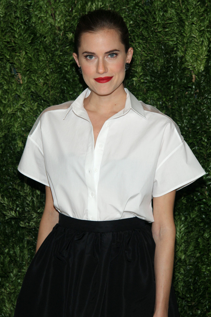 Actress Allison Williams attends CFDA and Vogue 2013 Fashion Fund Finalists Celebration at Spring Studios on November 11, 2013 in New York City.