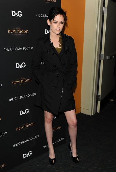 Actress Kristen Stewart attends THE CINEMA SOCIETY and D&G screening of THE TWILIGHT SAGA: NEW MOON at Landmark's Sunshine Cinema on November 19, 2009 in New York City.