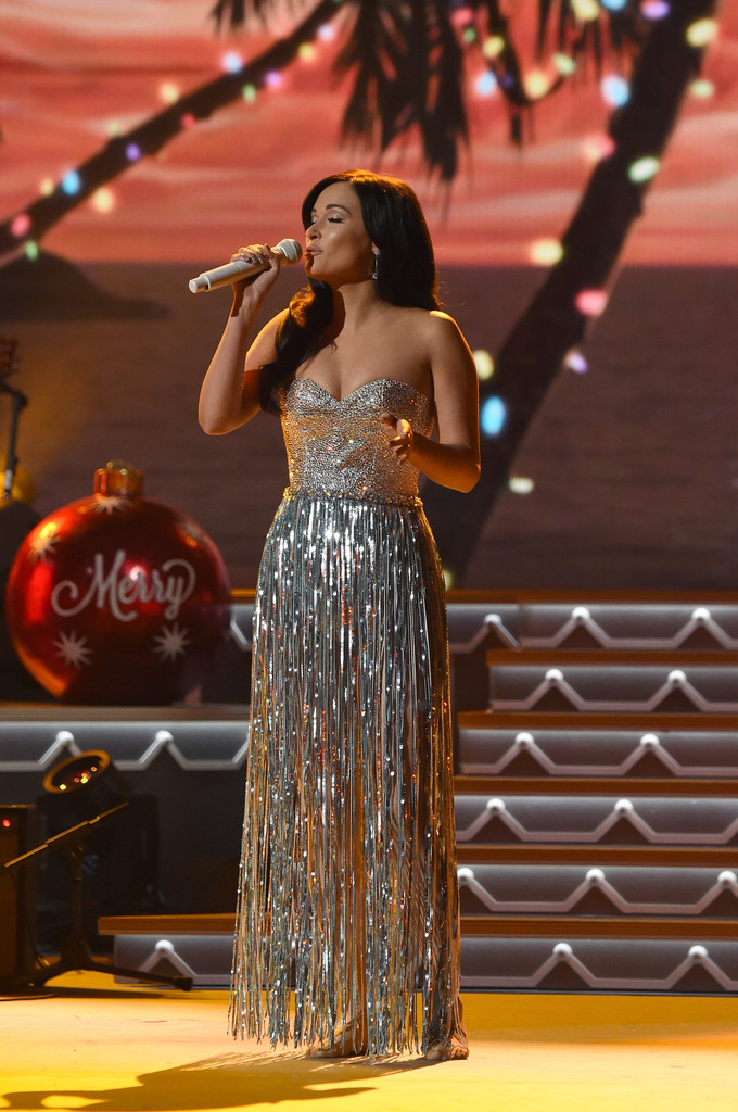 Kacey Musgraves Photos - CMA 2016 Country Christmas - 190 of 1206 ...