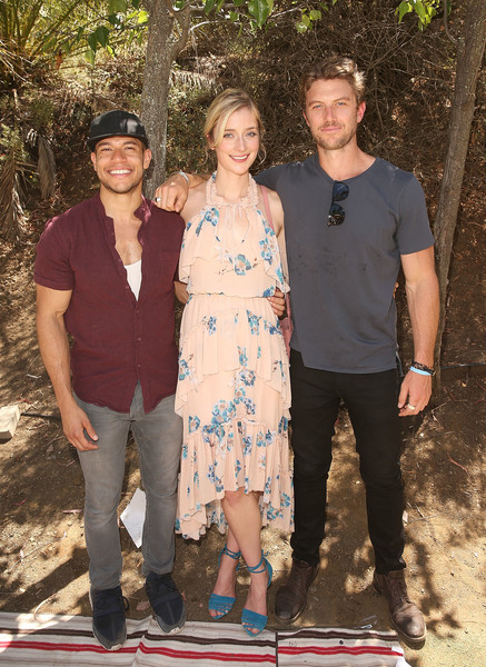 Lifetime's 'UnREAL' Cast and Producers Kickoff Summer on a Group Date at Malibu Wines Safari
