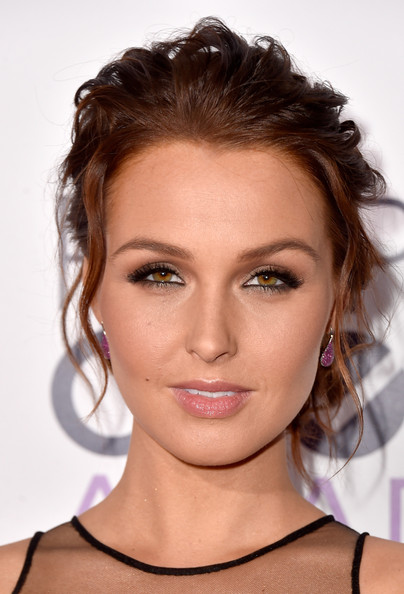 Arrivals at the People's Choice Awards — Part 2 [hair,face,eyebrow,hairstyle,lip,chin,beauty,shoulder,skin,brown hair,peoples choice awards,part,california,los angeles,nokia theatre la live,arrivals,camilla luddington]