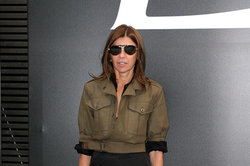 Carine Roitfeld Saint Laurent : Outside Arrivals - Paris Fashion Week - Menswear S/S 2015