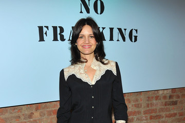 Carla Gugino Yoko Ono's Imagine No Fracking Installation