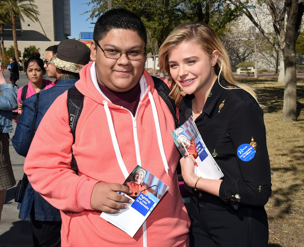 Chloe Grace Moretz Campaigns For Hillary Clinton in Las Vegas [photo,event,recreation,smile,chloe grace moretz,hillary clinton,carlos leteriely-trujillo,bernie sanders,las vegas,nevada,democratic,unlv,l]