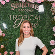 Carly Craig Chris Harrison hosts Seagrams Escapes Tropical Rosè Launch Party