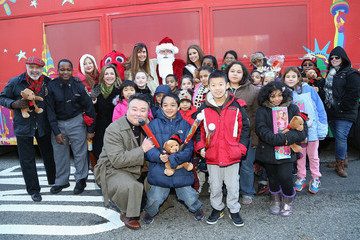 Carol Alt CitySightseeing New York Fifth Annual Holiday Joy Toy Drive / PAL Centennial Holiday Celebration