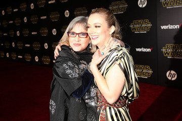 Carrie Fisher Billie Lourd Premiere of 'Star Wars: The Force Awakens' - Red Carpet