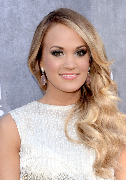 Four Eye Looks From The ACM Awards You Can Create At Home